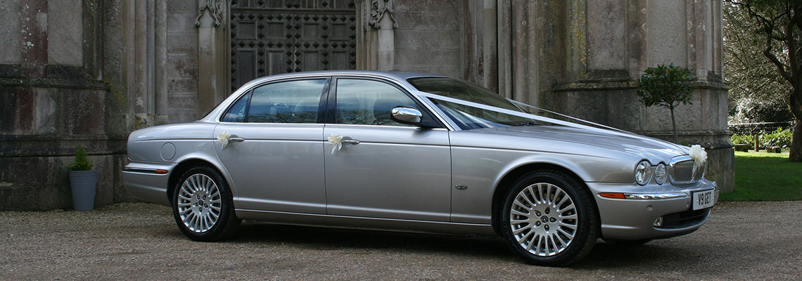 1140x400-grey-jag-church